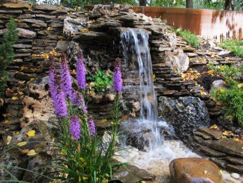 Водопад на дачном участке своими руками