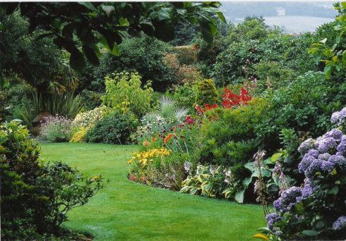 Ландшафтный дизайн сада природный