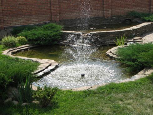 Декоративный водоем на участке