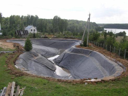 Благоустройство искусственного водоема
